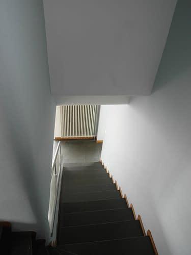 Style International : l'escalier